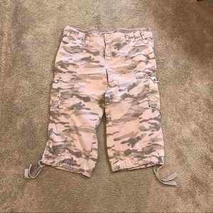 Old navy pink camo pedal pushers